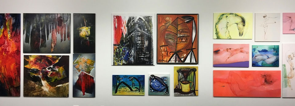 Galerie-Wand---Kunst-der-Revolution